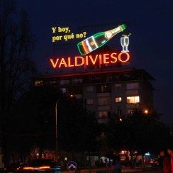 Neon reklamowy Valdiviesco to od 2010 r. jeden z Pomników Narodowych Chile. Carlo Lopez