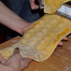 Prawdziwe, ręcznie robione ravioli.