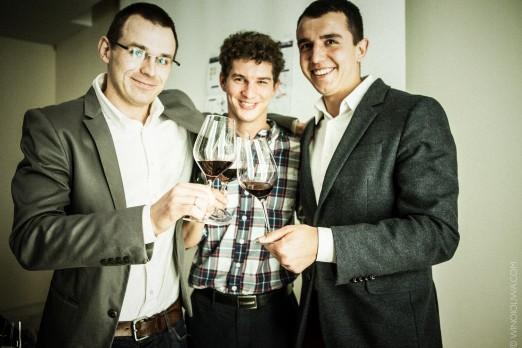 Trzej kumple od wina: Marcin Soćko, Łukasz Hryniewski, Łukasz Czajkowski. © Winoioliwa.com.