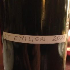 Saint-Emilion na litry wciąż istnieje.