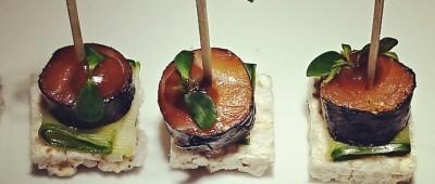 Łosoś marynowan w zielonym pieprzu i miso/ słodki ogórek/ chrupkie pieczywo.