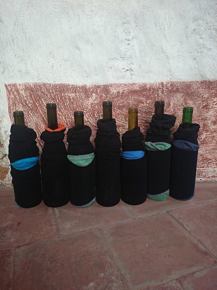Flaszki do degustacji. W ciemno i modnie.  © Winicjatywa.