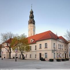 Gdy kończyły się imprezy, kończyła się też możliwość spróbowania wina przy jedzeniu. © dolny-slask.org.pl.