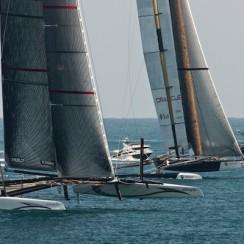 Jacht Alinghi w akcji. © Gilles Martin-Raget/BMW Oracle Racing.