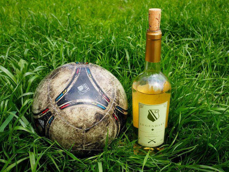 Wino do piłki nożnej. ©Izabela Kamińska