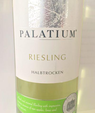 Dreikronenwein-Kellerei Pfalz Riesling Palatium medium dry 2015