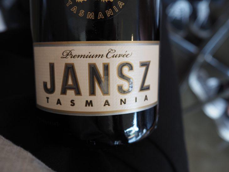 Jansz - prawdopodobnie najbardziej znane wino musujące Tasmanii. © Izabela Kamińska