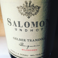 salomon-gelber-traminer-wildrosen